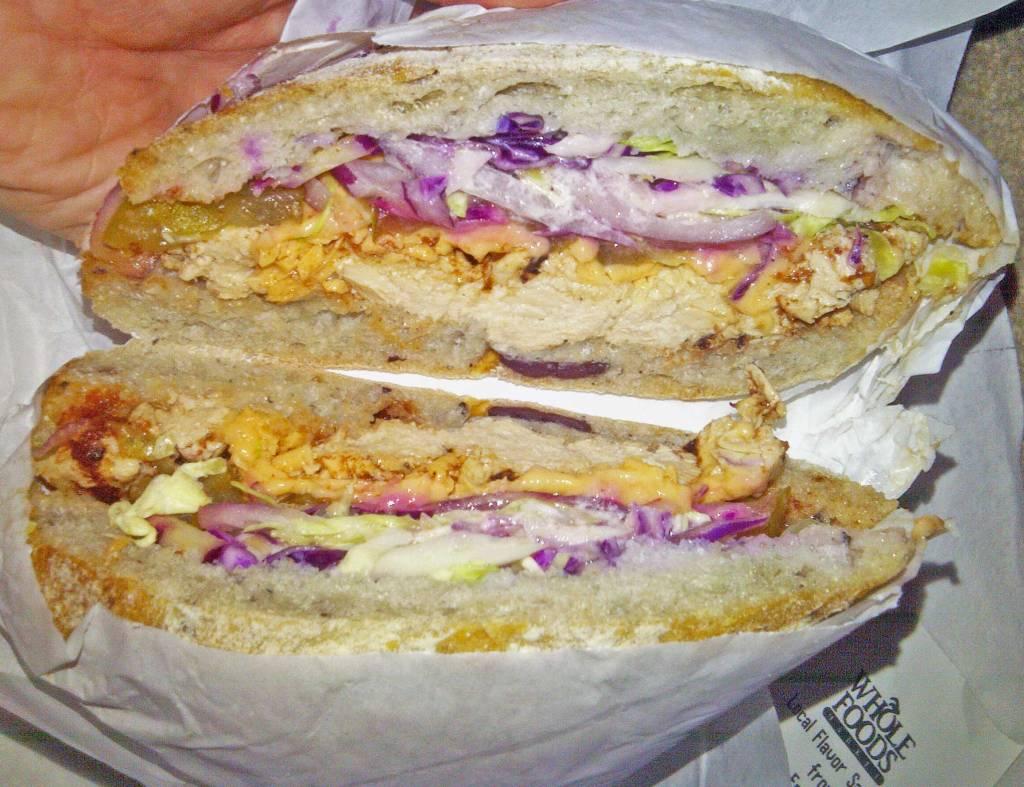 Vegan-Pulled-Porkless-Sandwich